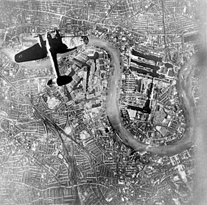 300px-Heinkel_over_Wapping